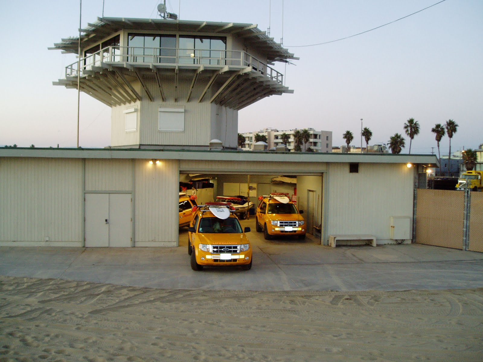 Venice_Beach_Lifeguard_Tower1