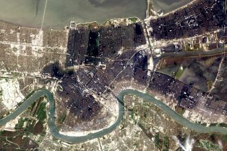 Flooding in New Orleans. NASA image courtesy Lawrence Ong, EO-1 Mission Science Office, NASA GSFC.