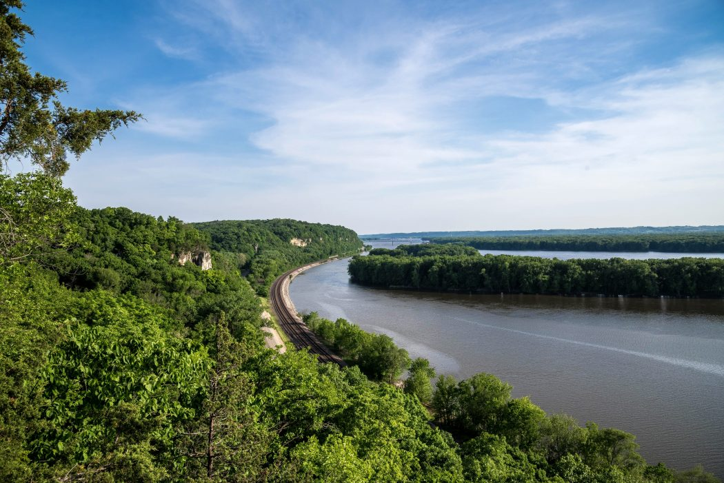 Landscape view of the curving Mississippi River at Mississippi Palisades State Park, Illinois.