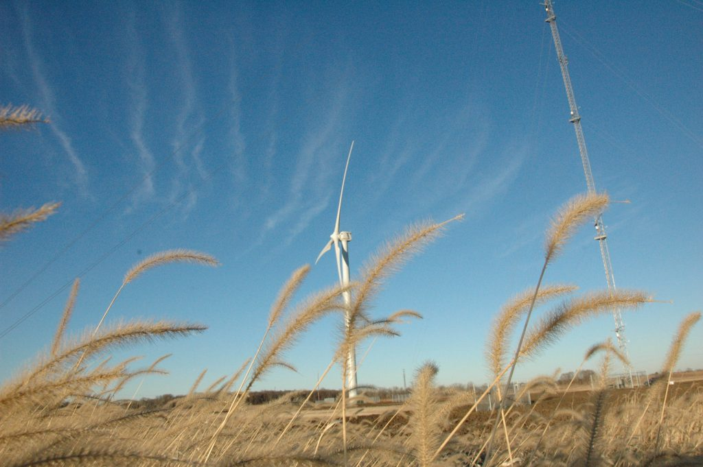 The Eolos Wind Energy Field Station consists of a fully instrumented 2.5 MW Clipper Liberty wind turbine and 400-ft meteorlogical tower located in Rosemount, Minnesota. Image courtesy of SAFL.