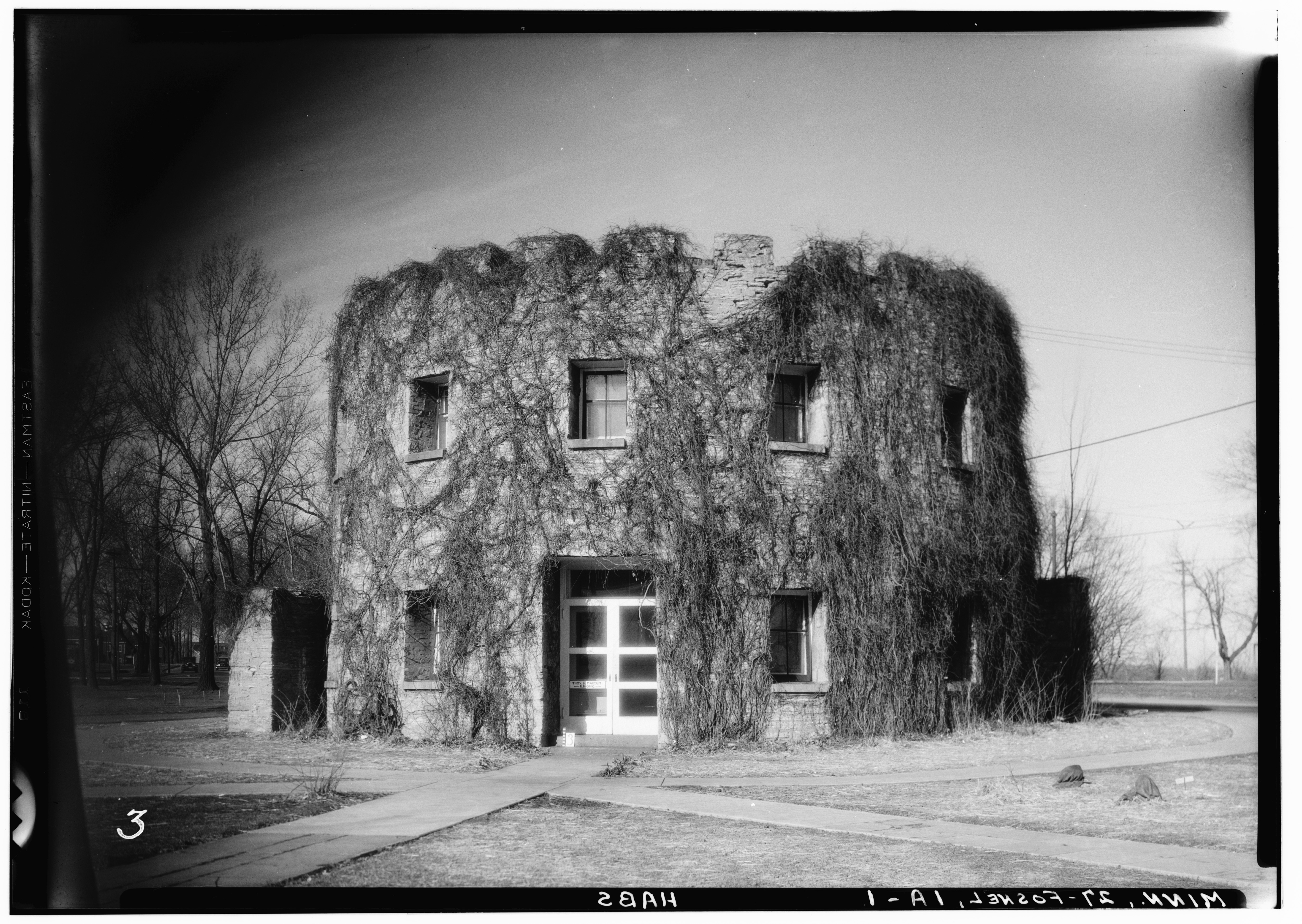 Round Tower at Fort Snelling, 1934. Photographer Floyd W. Brown with the Historic American Buildings Survey. Library of Congress.