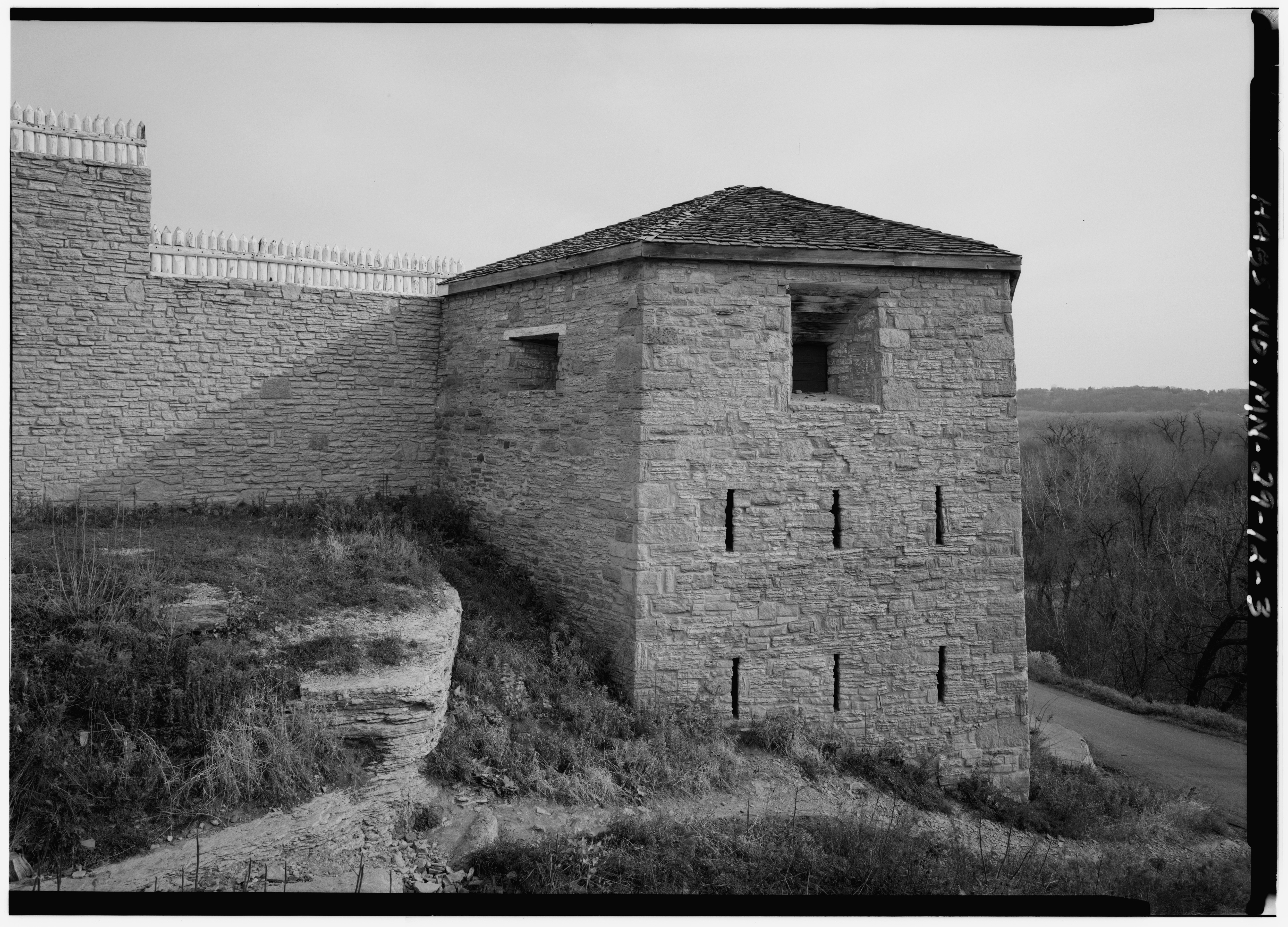 Hexagonal Tower at Fort Snelling, viewed from the southwest. Library of Congress.