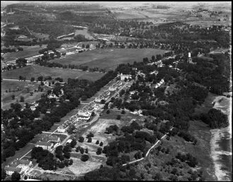 1895 aerial view of Taylor Avenue, Fort Snelling's Officers Row. Digital image Courtesy of the Minnesota Historical Society.