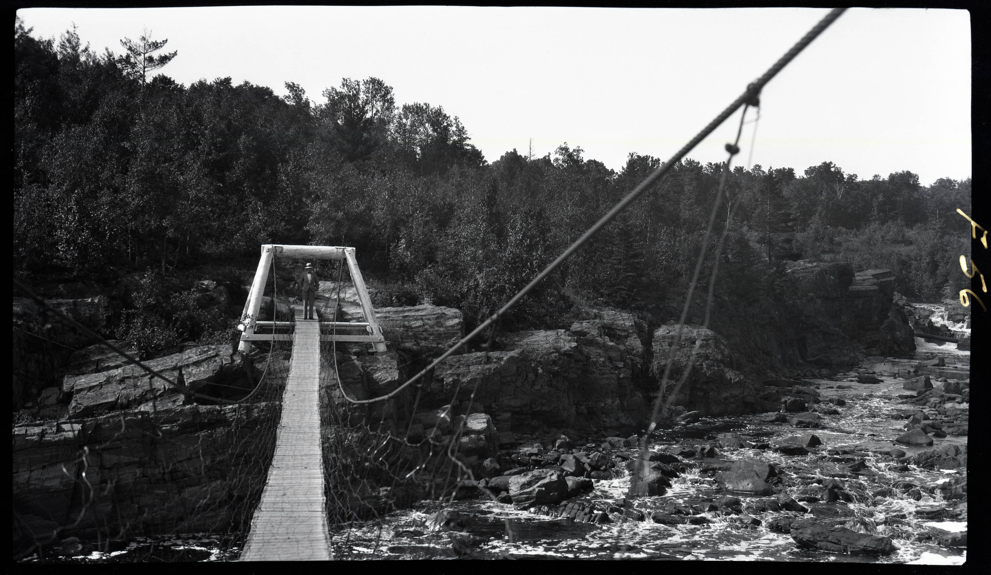 Jay Cooke State Park Suspension Bridge, 1929. Image courtesy of University of Minnesota Duluth, Kathryn A. Martin Library, Northeast Minnesota Historical Center Collections.