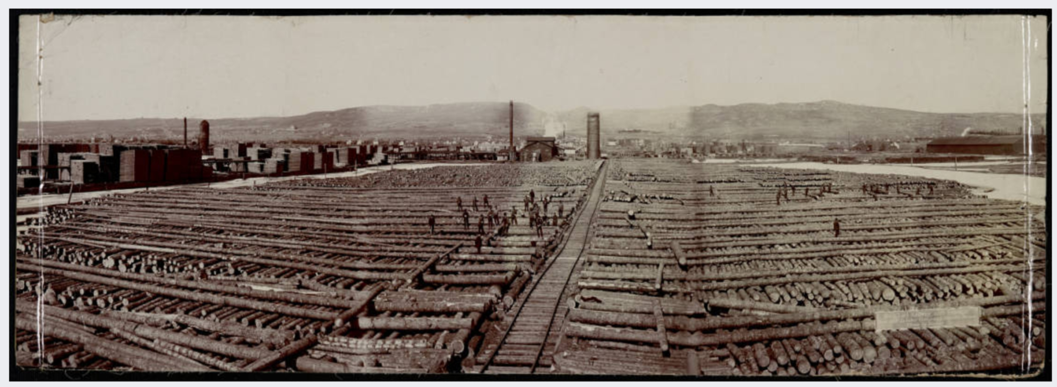No. 1, Log Rollway and Sawmill Red Cliff Lumber Company, Duluth, Minnesota. Image courtesy of University of Minnesota Duluth, Kathryn A. Martin Library, Northeast Minnesota Historical Center Collections.