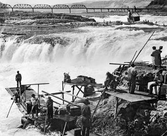 Fishing at Celilo Falls, early twentieth century. Image courtesy of The Oregon Encyclopedia.