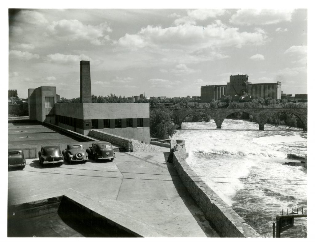 A view across the upper deck at SAFL showing the river itself from the perspective of the laboratory in 1942. Modern visitors to the lab will notice that the building has been expanded considerably since then.
