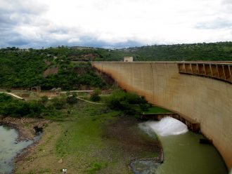 Jozini Dam, South Africa, during a drought. Image courtesy of Shira Lanyi.
