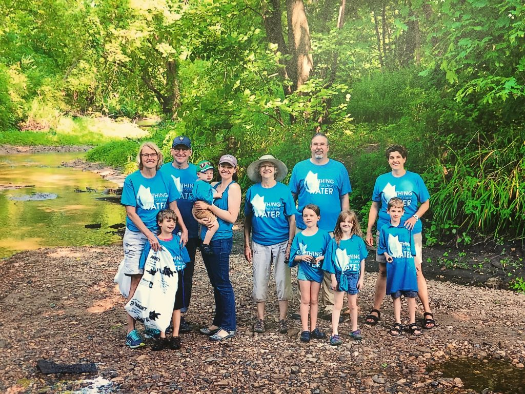 Volunteers gather at the Cannon River in the Carleton Arboretum, Fall 2017. Photographer Heriberto Rosas. Image courtesy of CRWP.