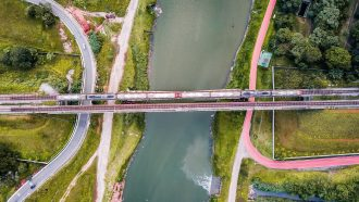 Intersections of roads, railroads, drainage, and river. Image courtesy of Sergio Souza.